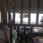新疆ウイグル自治区の檻タクシー