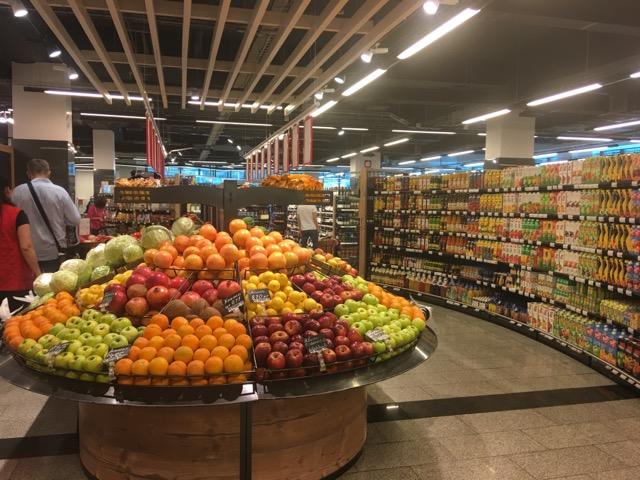 ヌルスルタンのスーパーマーケット