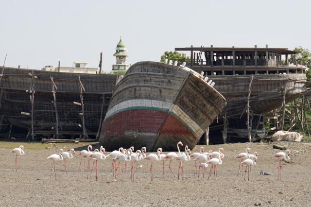 マンドビの木造船