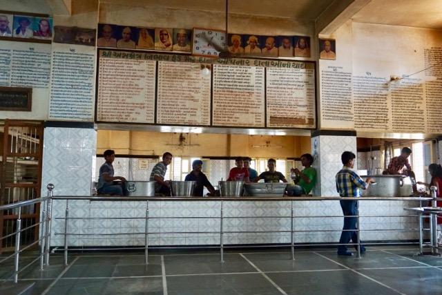 巡礼宿内の食堂