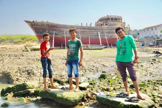 マンドビの若者たち
