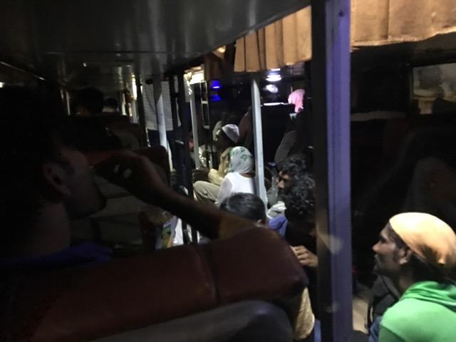 ブージ~ドワルカのバス