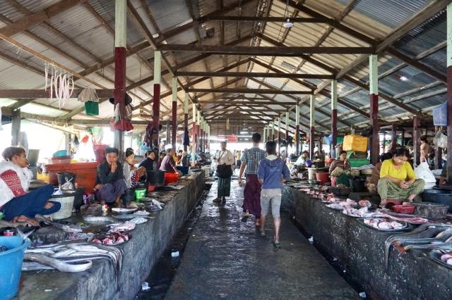 シットウェーの市場