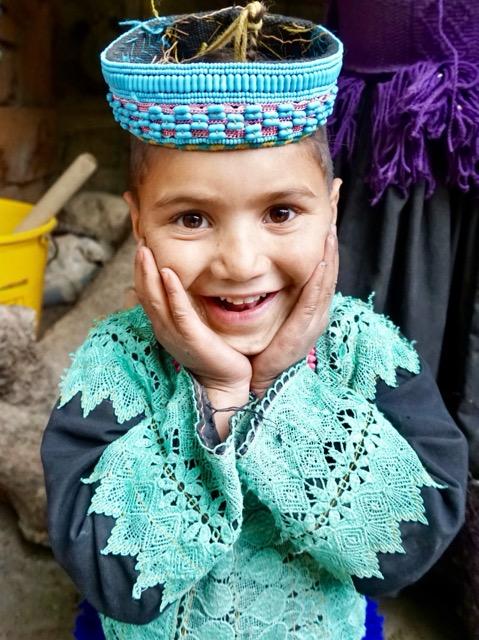 カラーシャ族の女の子