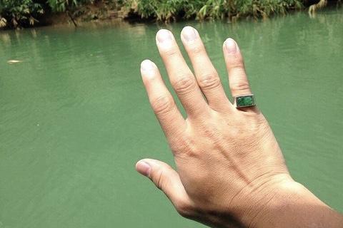 スマトラ島ブキティンギゴドバタンで買った指輪