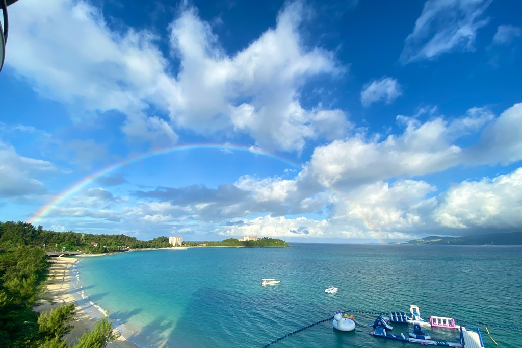 最終日の朝、部屋から虹が見えた