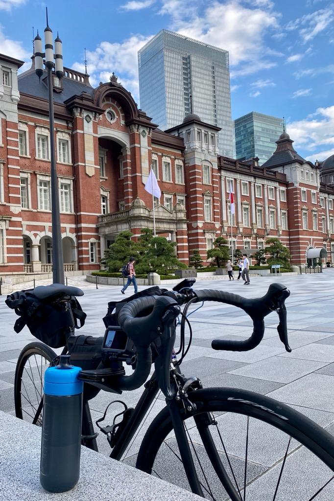BRITA「fill&go Active」と東京駅とロードバイク