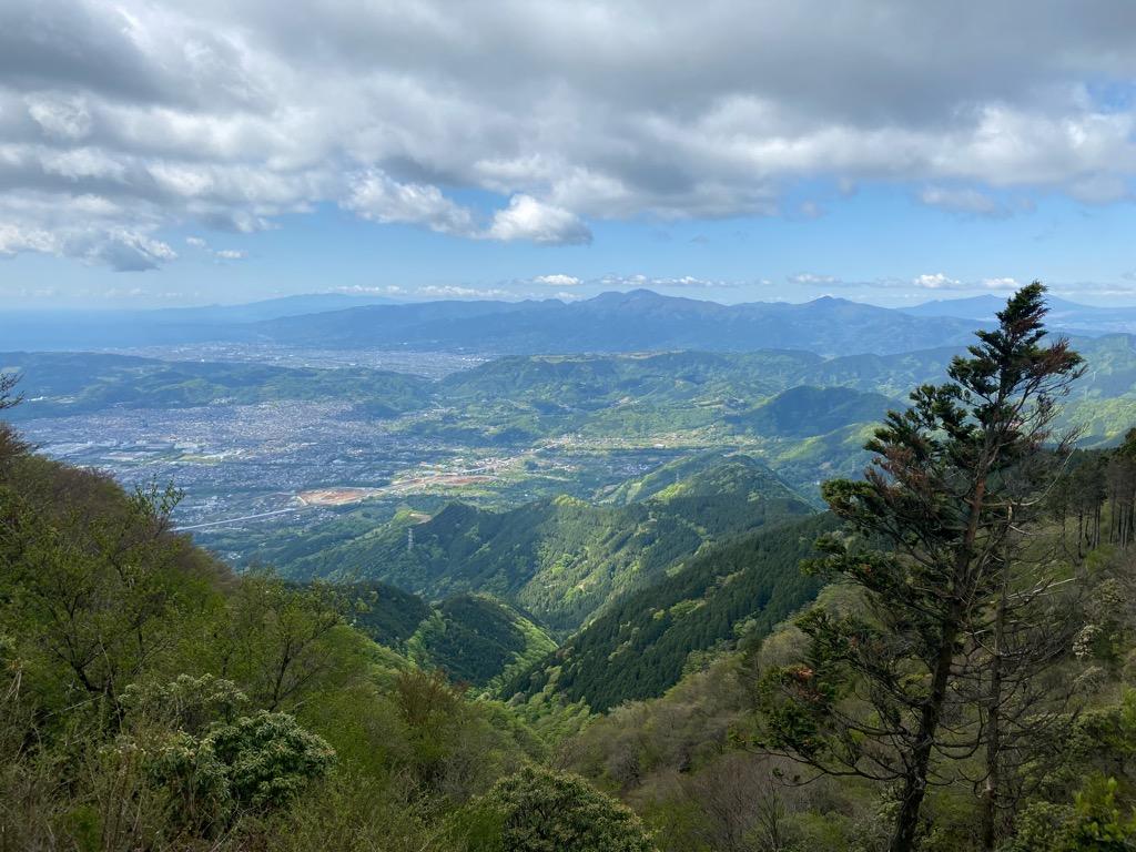 ヤビツ峠、塔ノ岳への山道