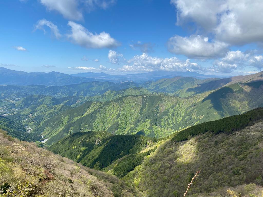 三ノ塔から塔ノ岳の山道からの景色