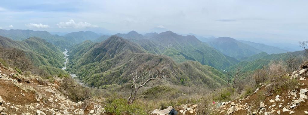 檜洞丸〜蛭ヶ岳の登山道からの景色